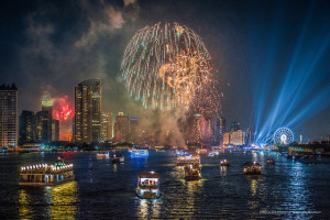 Fireworks, Bangkok, Thailand - Photo: Prachanart Viriyaraks via Flickr, used under Creative Commons License (By 2.0)