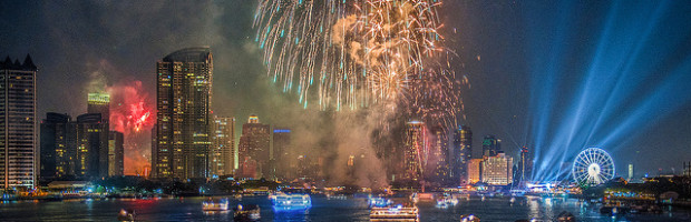 Fireworks, Bangkok, Thailand - Photo: Prachanart Viriyaraks via Flickr, used under Creative Commons License (By 2.0)