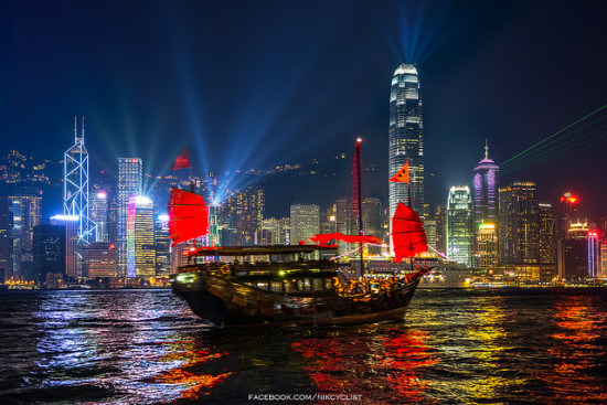 Symphony of Light, Hong Kong - Photo: Prachanart Viriyaraks via Flickr, used under Creative Commons License (By 2.0)
