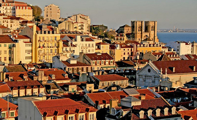 Sunset, Lisbon, Portugal - Photo: Francisco Antunes via Flickr, used under Creative Commons License (By 2.0)