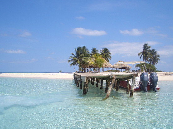 Goff's Cay, Belize - Photo: Graeme Douglas via Flickr, used under Creative Commons License (By 2.0)
