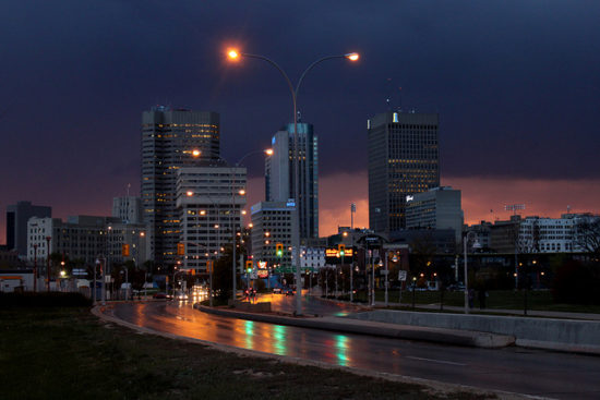 Downtown Winnipeg, Manitoba - Photo: Robert Linsdell via Flickr, used under Creative Commons License (By 2.0)