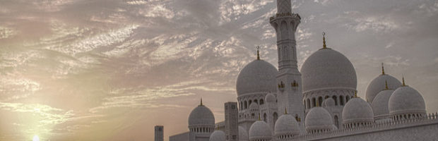 Sheikh Zayed Mosque, Abu Dhabi, United Arab Emirates - Photo: lam_chihang via Flickr, used under Creative Commons License (By 2.0)